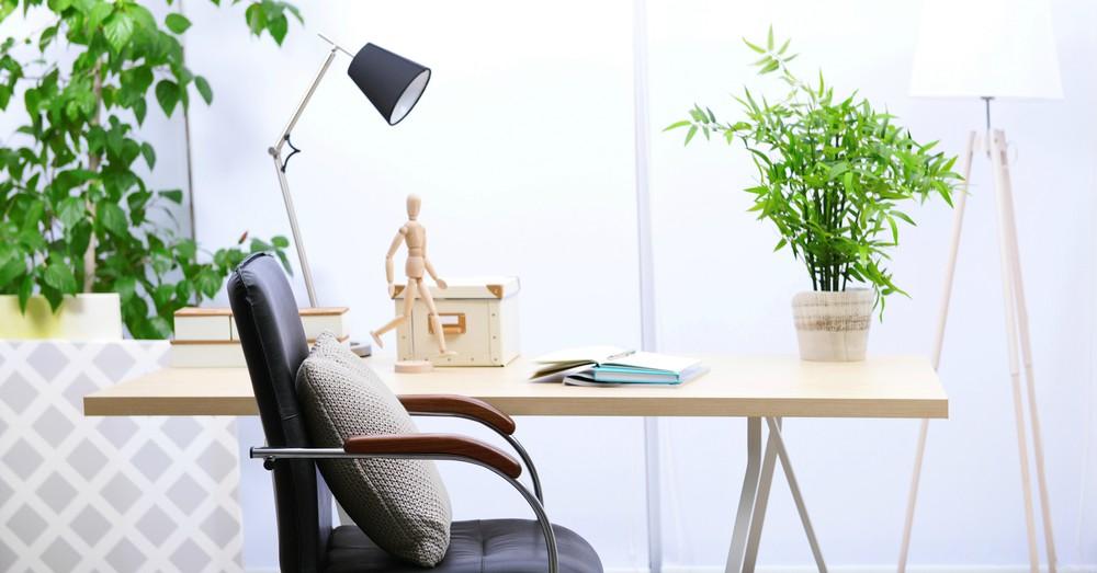 escritorio-moderno-acogedor-oficina-en-casa